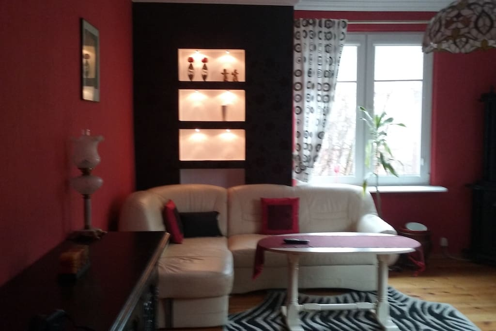 Salon z rozkładaną sofą