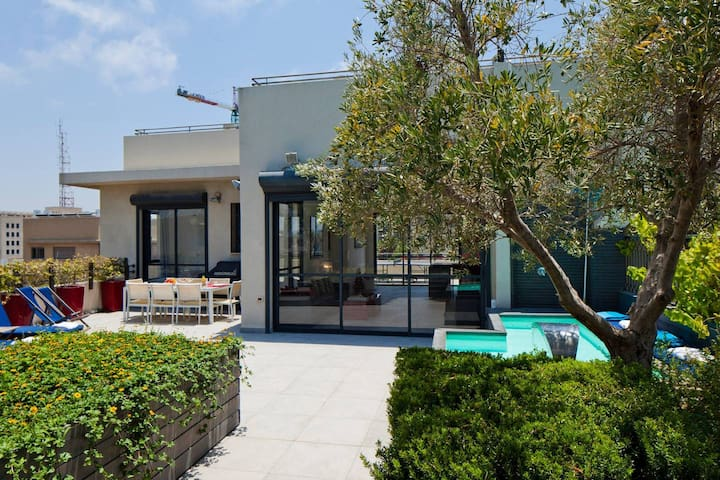 NOGA TLV- HIGH STANDARD PRIVATE HOUSE - ROOFTOP & SWIMMING POOL