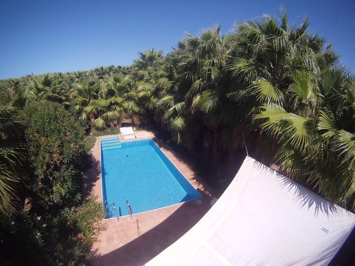 Studio in Marsala, with shared pool, enclosed garden and WiFi - 250 m from the beach