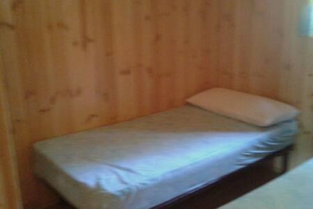 Cabañas de madera A  alquiler  dias - Cenicientos - Cabin - 2