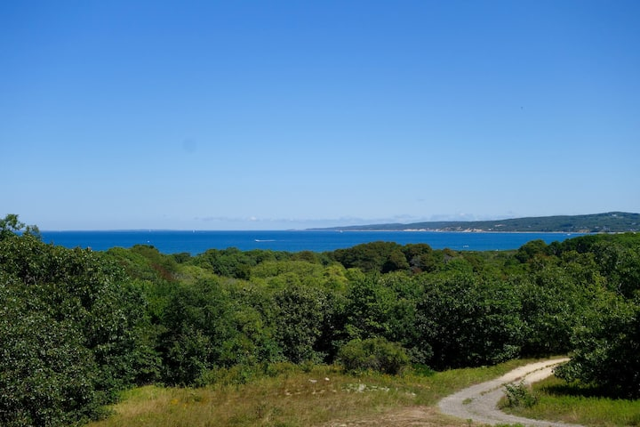 MARTHA'S VINEYARD AQUINNAH OCEAN VIEW CLAY PIT RD