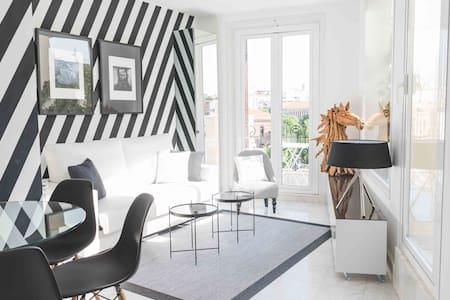 Incredible design apartment 6E, with terrace