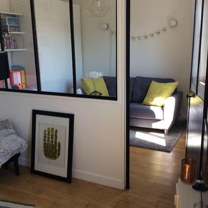 joli appartement proche gare bois colombes apartments for rent in bois colombes le de. Black Bedroom Furniture Sets. Home Design Ideas