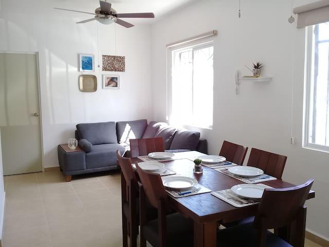 Sala y comedor para 6 personas