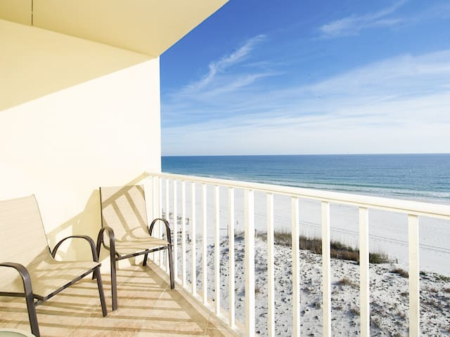 Beachfront Views! Nice 3BR w/ Pool