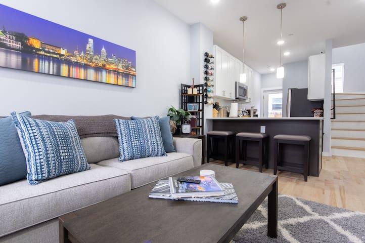 Light-filled 4 Floor Home in Fishtown w/ Wine!