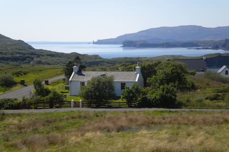 25 Fiscavaig, Carbost, Isle of Skye - Bungalow