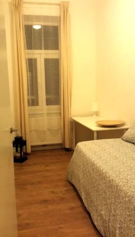Nice flat, fully furnished, in City near Metro/U3 - Viyana - Daire