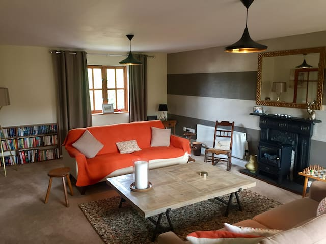 Blorenge Cottage - Dble Room, Sofa bed & Bathroom