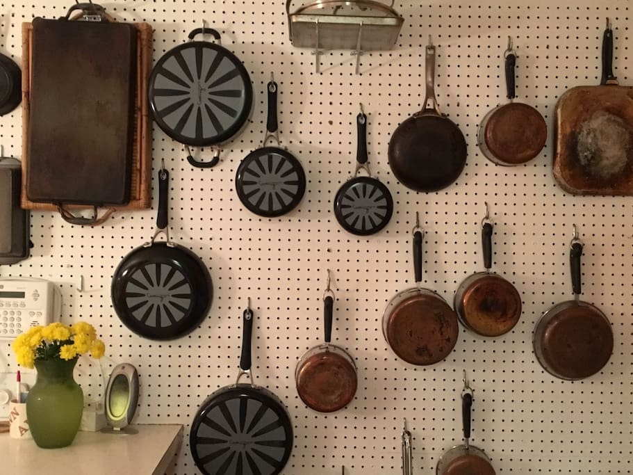 Plenty of Pots, Pans and Cooking tools.