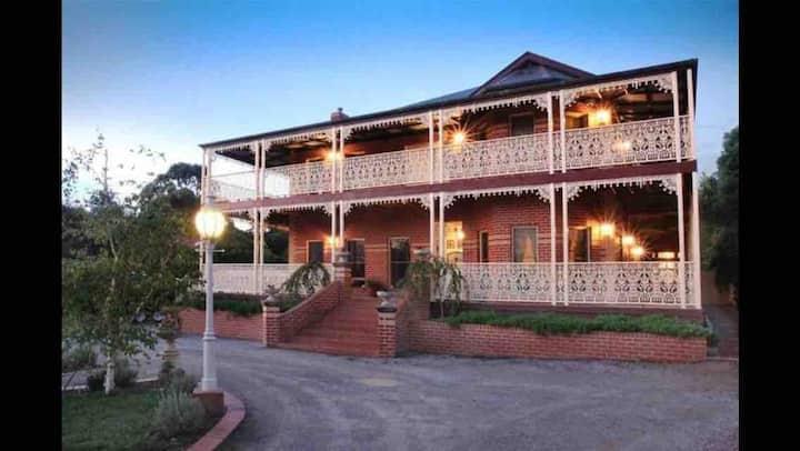 Chat Noir Victorian Mansion-Purple Room 2 guests