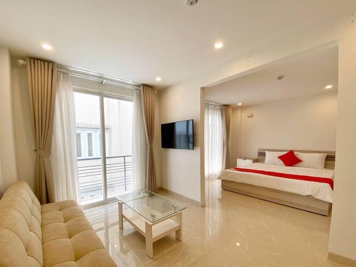 Luxurious Apartment w/ Wi-Fi + Smart Samsung TV
