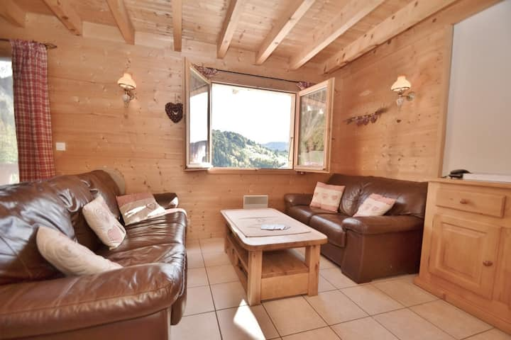 Wonderful 4 bed alpine chalet for up to 8 in the Alps!