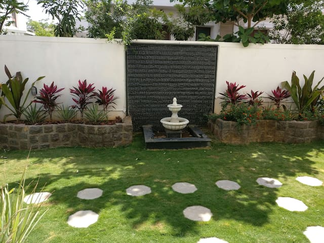 Exotic Villa with gardens 2 bedrooms - Kompally, Hyderabad - Rumah
