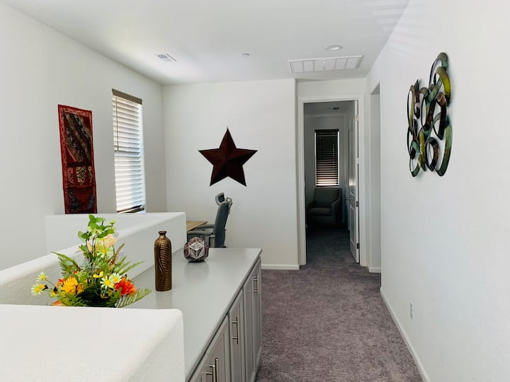 Best single family home 3 beds and 2 1/2 baths