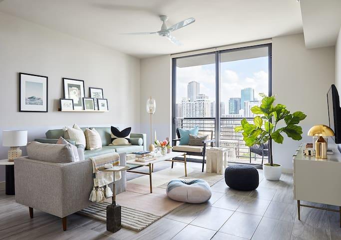 Domio | Downtown Miami | Modern One Bedroom | Balcony + Pool + Gym