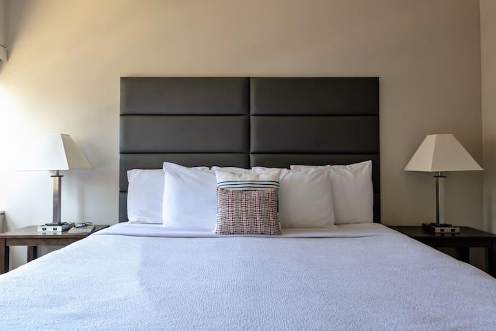 Zealous One Bed on Jackson Street