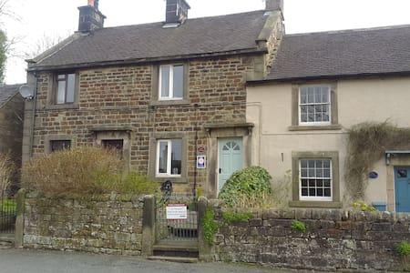 Ruby Cottage, Longnor, nr Buxton. Peak District - Longnor - House