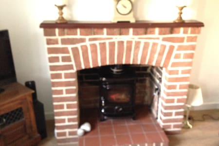 2 Double bedroom Oulton Broad holiday cottage - Lowestoft - House - 1