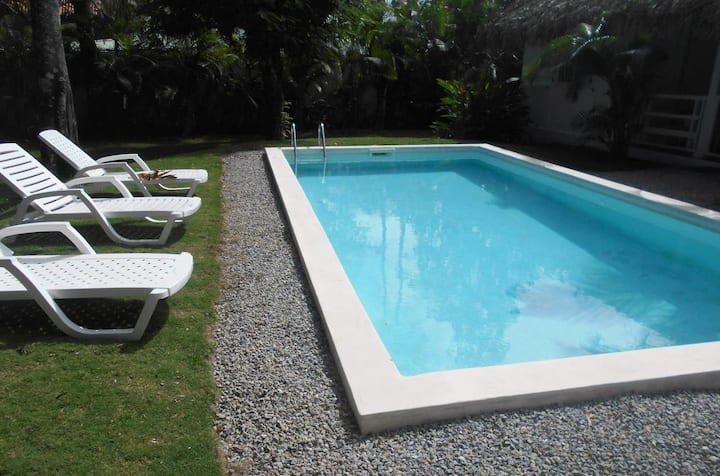 Lovely villa close to everything with private pool