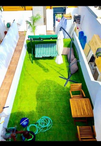 Sunny Garden. YBG. New 1 Bedroom Apt. Quiet