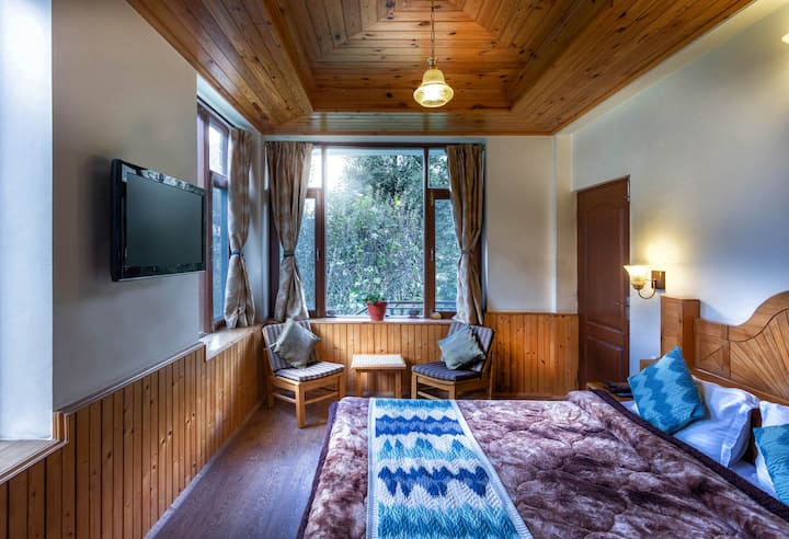 Room with mountain view | Moksha Cottage