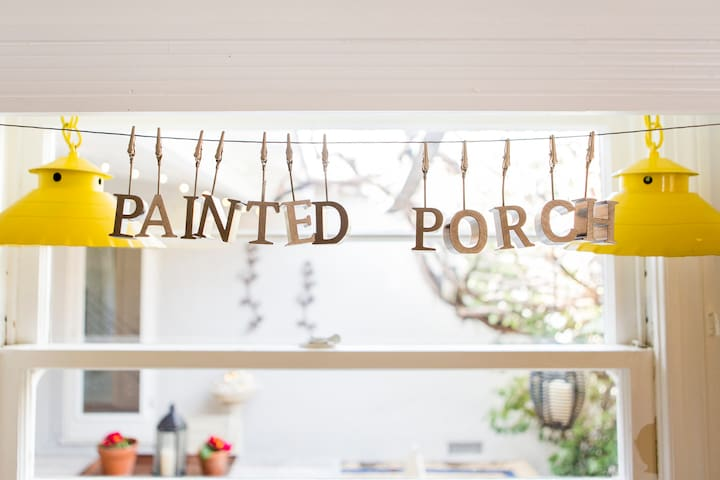 The Painted Porch ~It's all happening downtown!