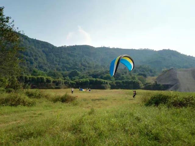 整栋民宿别墅出租,全家周末休闲,体验滑翔伞的刺激与山林的迷人。 - 长沙市