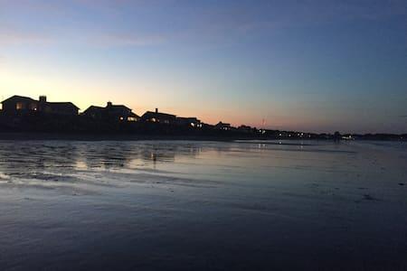 2 Flr Beachcomber Ste 5 minutes à pied de la plage