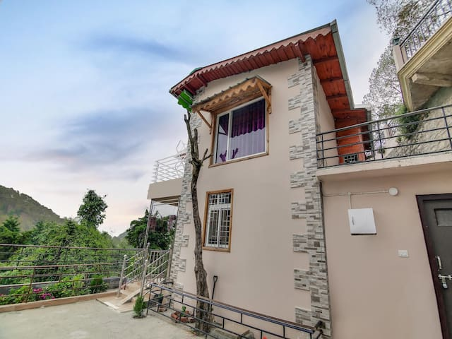 OYO - 1BHK Conventional Abode in Nainital-Prices Slashed!