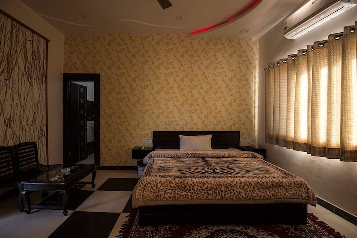 Hotel Royal Rawat Palace - Pushkar - Boutique-hotell