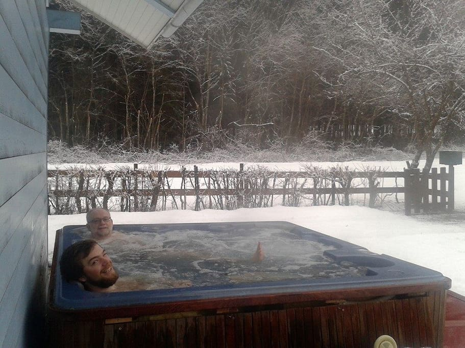 Hot tub in the snow!
