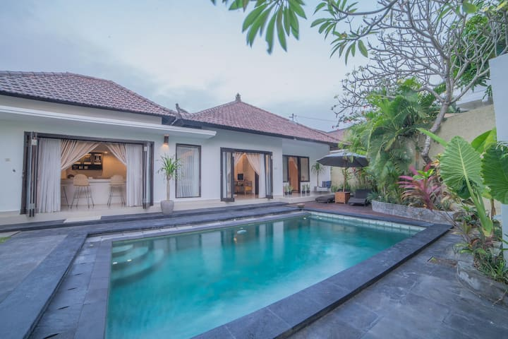Promo 20% OFF A Newly Acquired of Vastra Villa