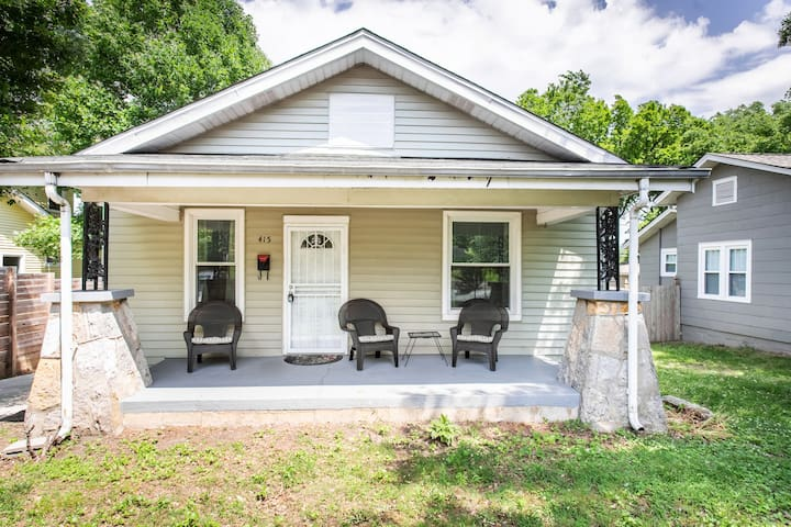 ✦ Classic bungalow in the ♥ of East Nashville!  ✦