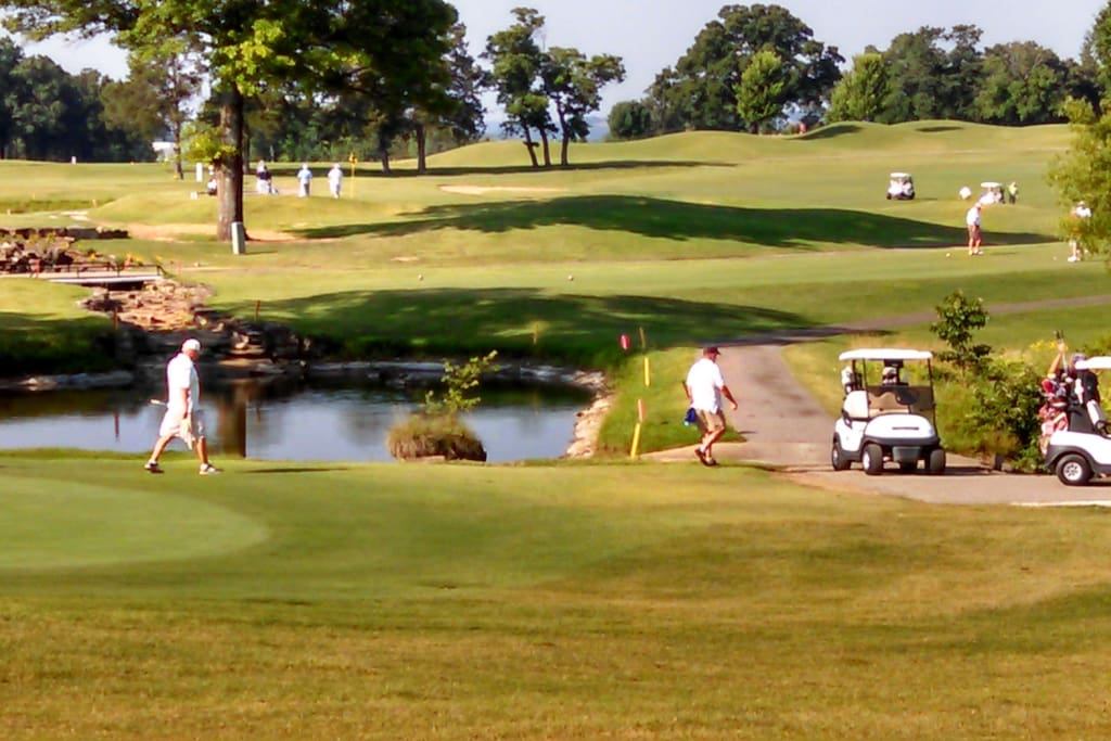 PLAY AT THE BEAUTIFUL HOLIDAY HILLS GOLF CLUB