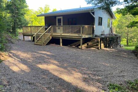 Driftless Retreat Cabin