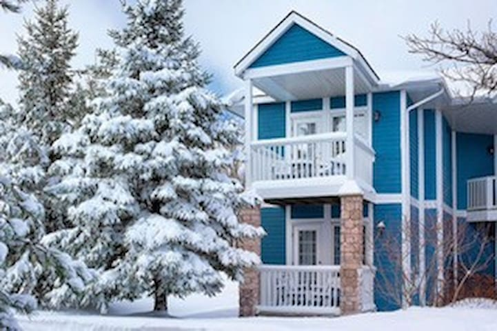 Carriage Hills Resort - 1 Bedroom (Ski/Golf/Hike)