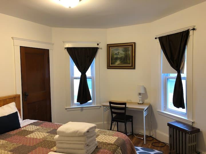 Savin Hill private bedroom/Downtown Boston/UMASS(5