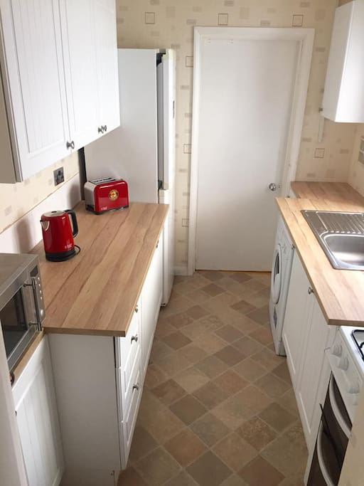 Brand new kitchen to prepare meals.