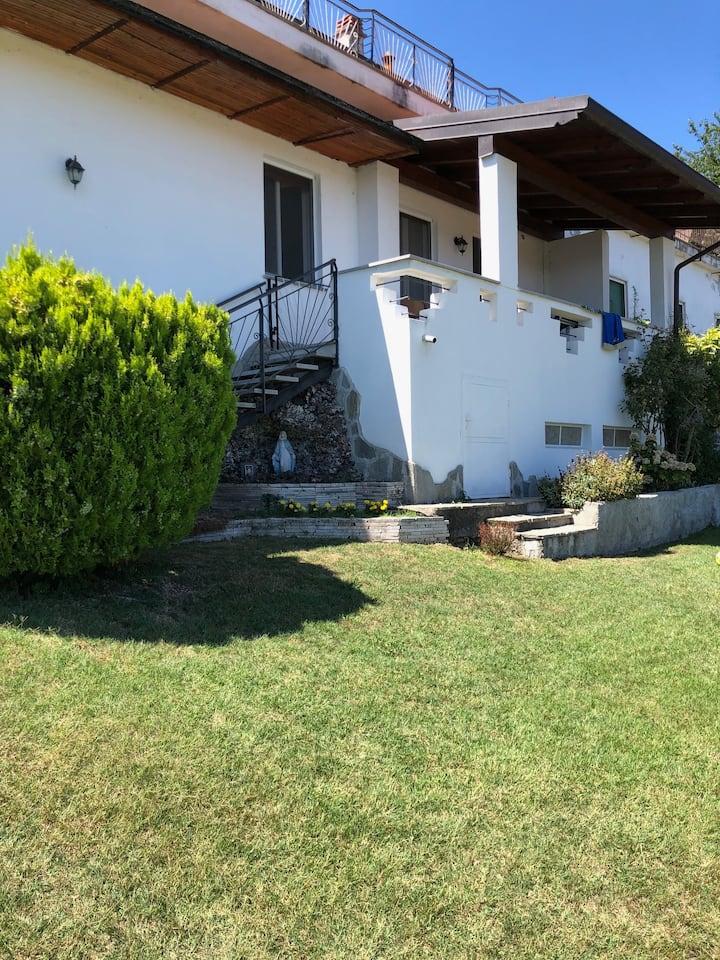 Casa in collina sul Lago Maggiore
