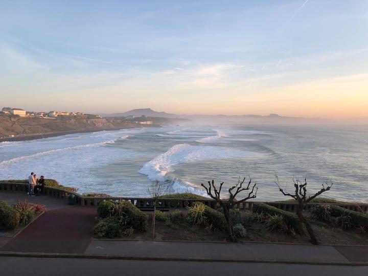 Grand studio vue mer au coeur de Biarritz