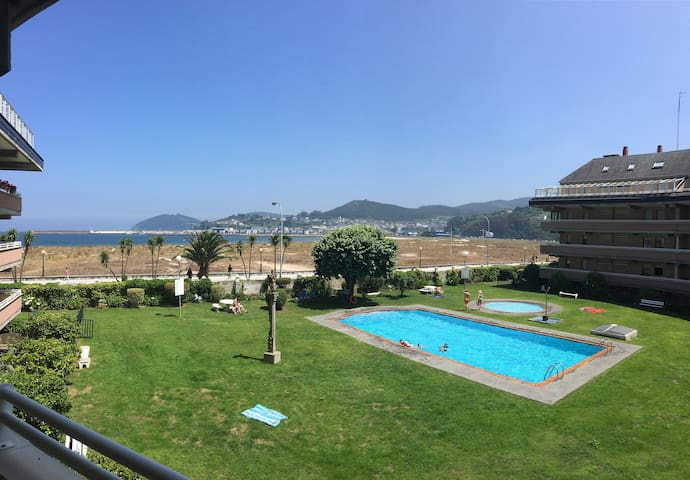 Apartamento Deluxe en primera línea de playa - Viveiro - Apartment
