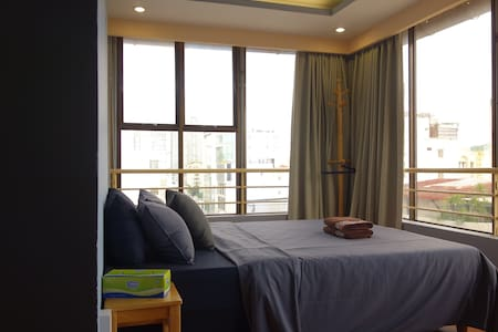 Saigon Sunrise Studio, great river view, D1, CBD - Хошимин
