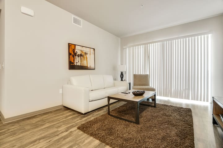 Gorgeous coastal1BR in the heart of Marina Del Rey