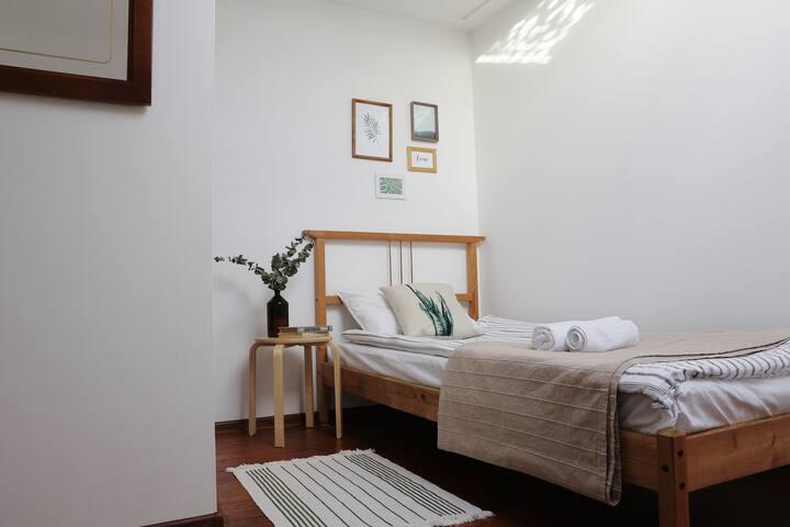 Уютная мансардная комната в центре