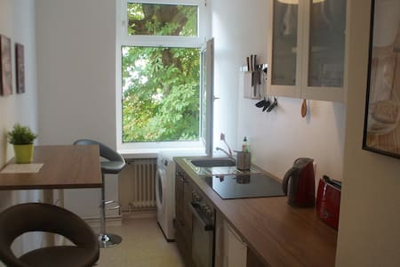 Ground floor - 23 m² room in a cozy flat, Berlin - Berlim - Apartamento