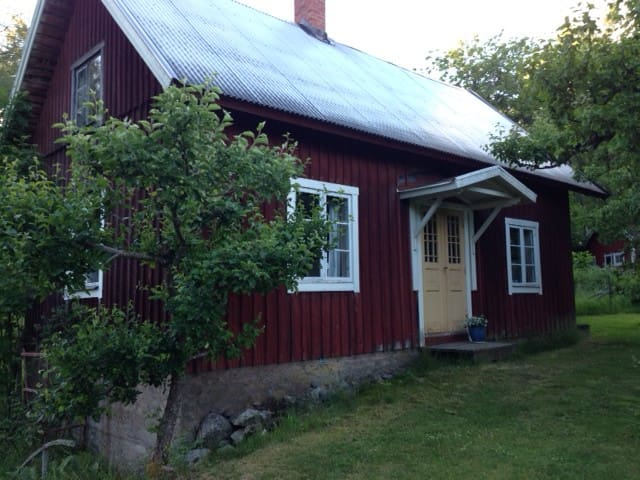 Cozy cottage in Småland, south Sweden - Vetlanda SV - Hytte