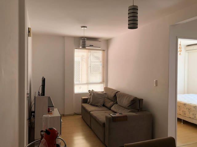 Apartamento aconchegante e muito bem localizado