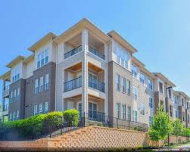 Tryon Place Apartments