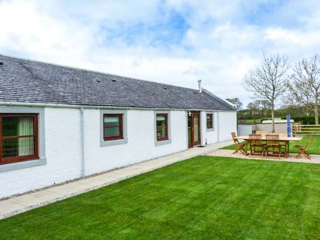 THE STABLES AT DALDORCH, pet friendly in Mauchline, Ref 919310